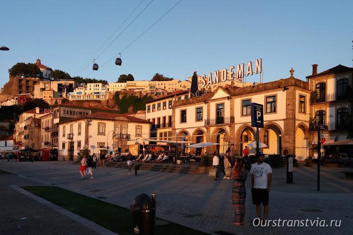 Вечер на набережной Вила-Нова-ди-Гайя, Порту, Португалия