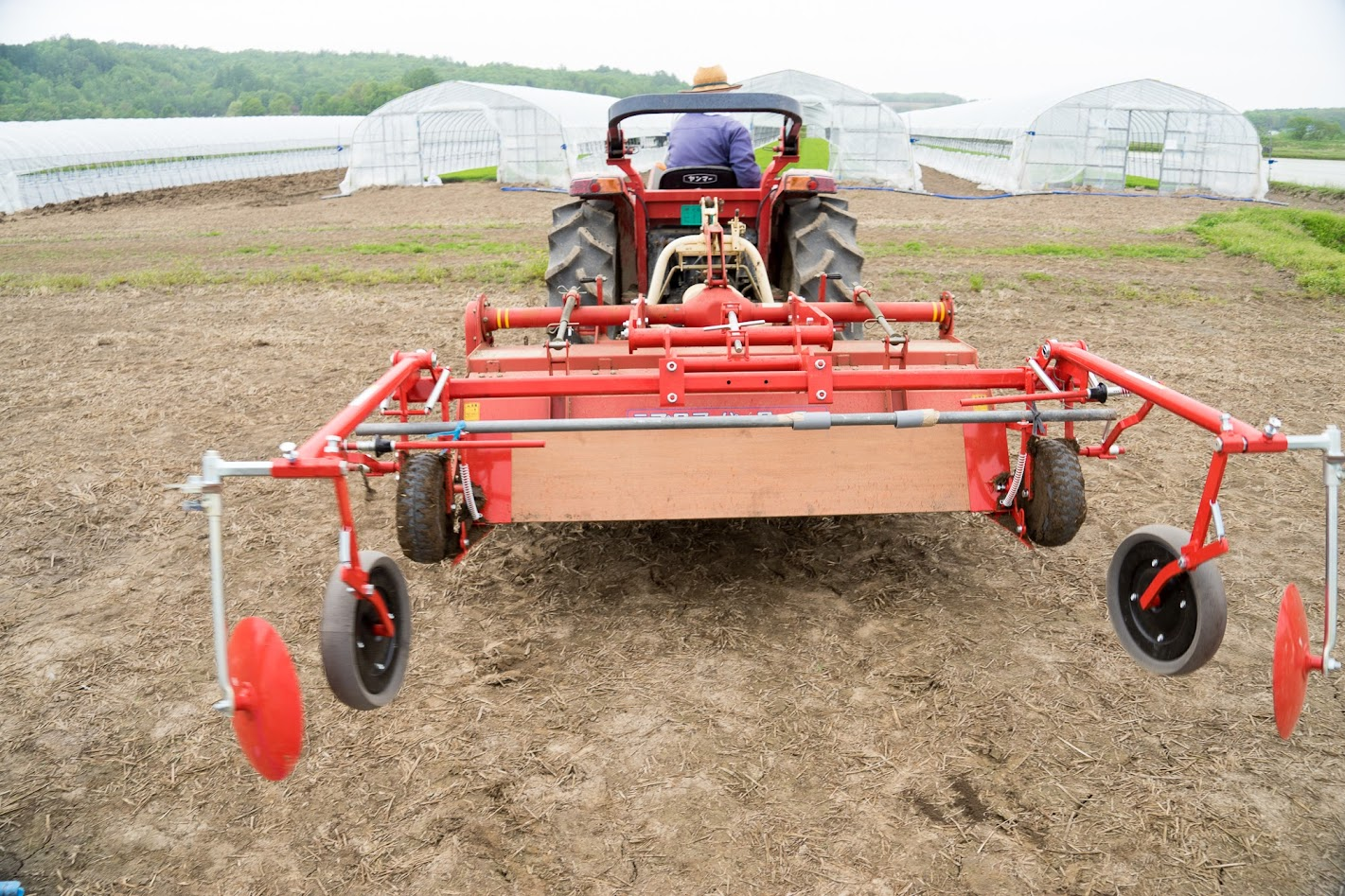 トラクター用のマルチ掛け装置