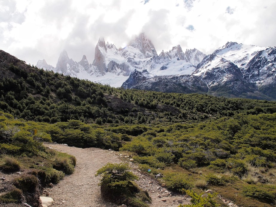 On the way to Laguna de Los Tres