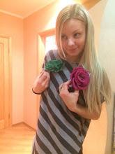 Photo: Как трудно выбрать,когда нравится зеленый и красный...мудрая Оленька взяла оба...