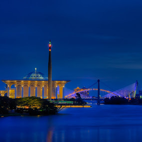 putrajaya night by Faareast Mk - Landscapes Starscapes ( tasik, water, blue hour, mosque, far, night )