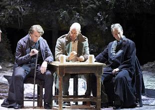 Photo: DAS SCHLAUE FÜCHSLEIN am 3.4.2016 an der Wiener Statsoper: Joseph Dennis, Roman Trekel, Markus Pelz. Copyright: Wiener Staatsoper/ Michael Pöhn.