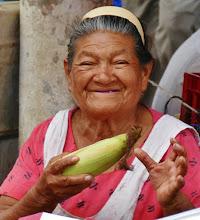 Photo: Apaneca: Straßenhändlerin