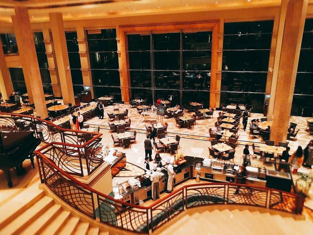 lotus-cafe-best-places-to-visit-in-mumbai_image