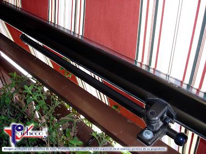 Sujeción cangrejo brazo de balcon