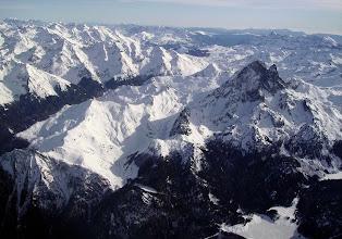 Photo: Face nord du Pic du Midi d'Ossau. Bois et lac de Bious Artigues à droite devant. Cornes de Moundelhs au dessus.