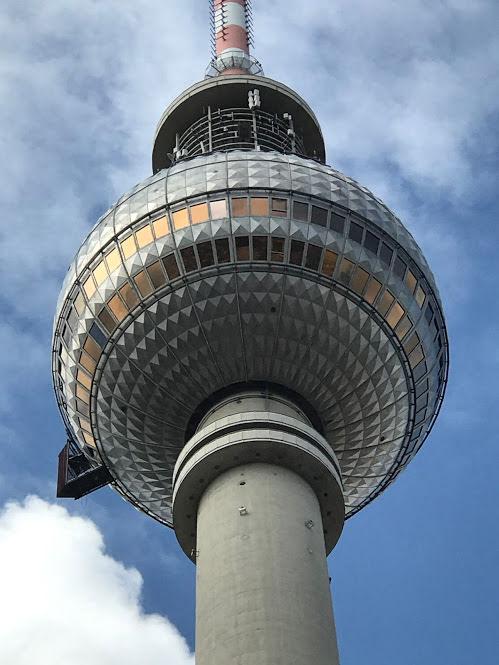 Berliner Fernsehturm, Alexanderplatz