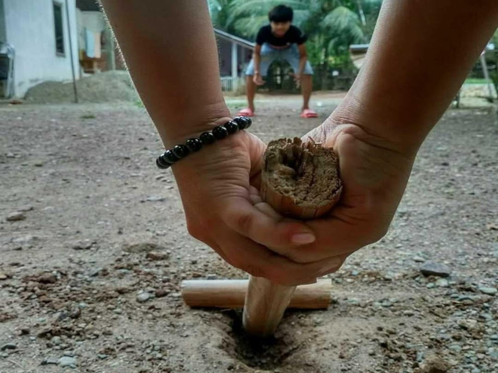 Patil Lele / Gatrik / Tak Kadal traditional game