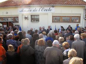 Photo: ... arrive Monsieur Léonetti, maire d'Antibes...