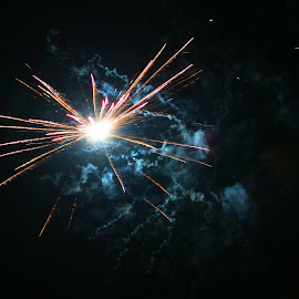 Light the sky by Wilson Beckett - Public Holidays New Year's Eve (  )
