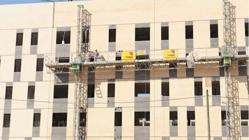 Imagen de archivo de trabajo en un edificio destinado a viviendas. Imagen: Junta de Andalucía
