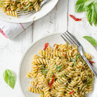 7 Ingredient Sun Dried Tomato Pesto Pasta Recipe