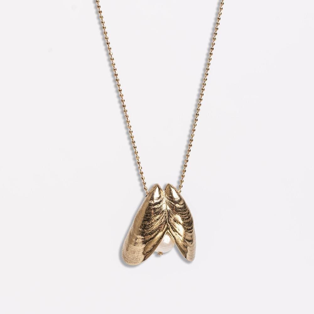Cornelia Webb, Pearled Necklace