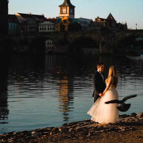Wedding photographer Adina Iaru (jadoris). Photo of 19.10.2017
