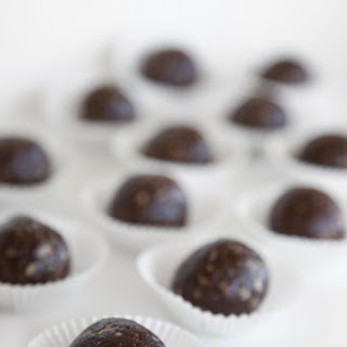 Raw Brownie Bites