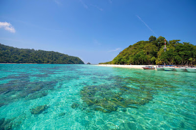 Snorkel Tour to Koh Rok and Koh Haa by Speed Boat from Krabi