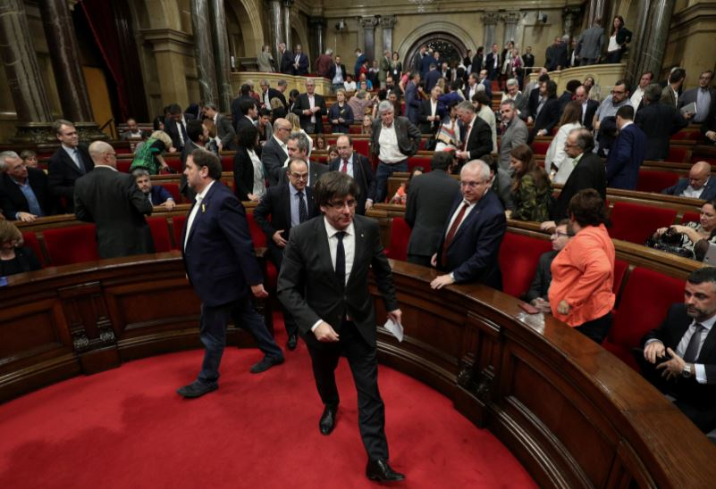 How will Spain seize Catalan powers?