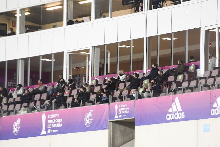 Palco de autoridades del Estadio Mediterráneo.