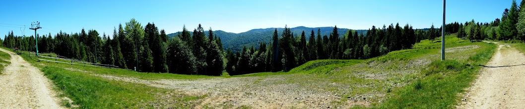 Photo: Drugi dzień w górach i kierunek Gorce. Dzisiaj towarzyszy mi Bartek. Z Koninek podjeżdżamy szlakiem rowerowym na Tobołów.
