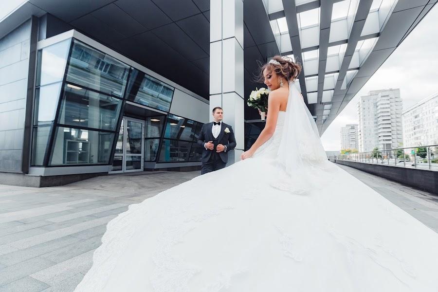 Wedding photographer Denis Osipov (SvetodenRu). Photo of 20.02.2019