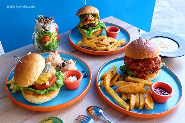 LAb EAt burger 來吧吃漢堡。巨大漢堡一手難掌握,5cm厚漢堡排一咬噴湯、滿嘴肉汁太邪惡!