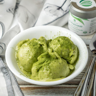 Healthy 2-Ingredient Matcha Ice Cream