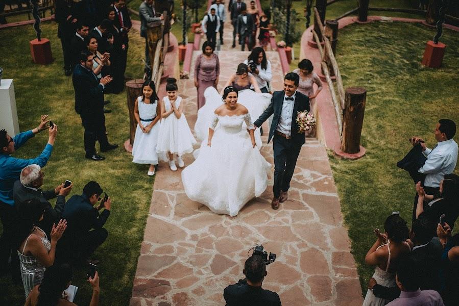 Wedding photographer Valery Garnica (focusmilebodas2). Photo of 26.04.2019