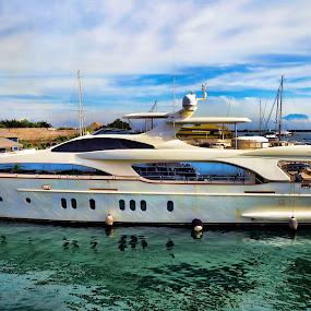Wish I had this ... by Fathar Alex - Transportation Boats