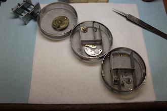 Photo: Rozebrany mechanizm w koszykach czyszczarki.