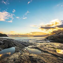 sunrise in ilhota beach by Rqserra Henrique - Landscapes Beaches ( clouds, brazil, rqserra, beach, sunrise, landscape, rocks, reflexes )