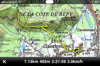Photo: sans la pluie, le randonnée aurait pu passer par la Pierre d'Appel