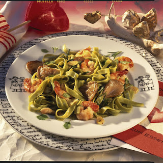 Spinach Tagliatelle with Wild Mushrooms and Shrimp