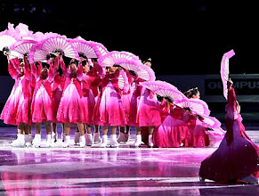 Photo: South Korean girls wearing Korean traditional dresses perform during an exhibition program of the International Skating Union Four Continents Figure Skating Championships in Goyang, west of Seoul, South Korea, Sunday, Feb. 17, 2008. (AP Photo/Lee Jin-man)
