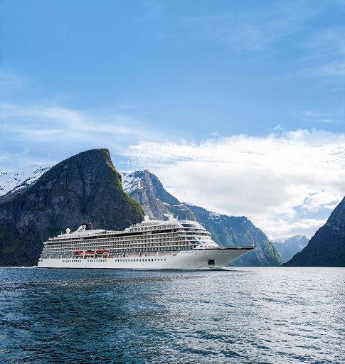 Viking-star-in-flam-norway.jpg - Viking Star in Flam, southwestern Norway, known for its magnificent fjords.