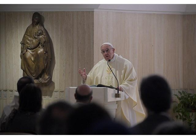 """Đức Thánh Cha: Người Ki-tô hữu không """"đứng im tại chỗ"""" nhưng hãy can cảm"""