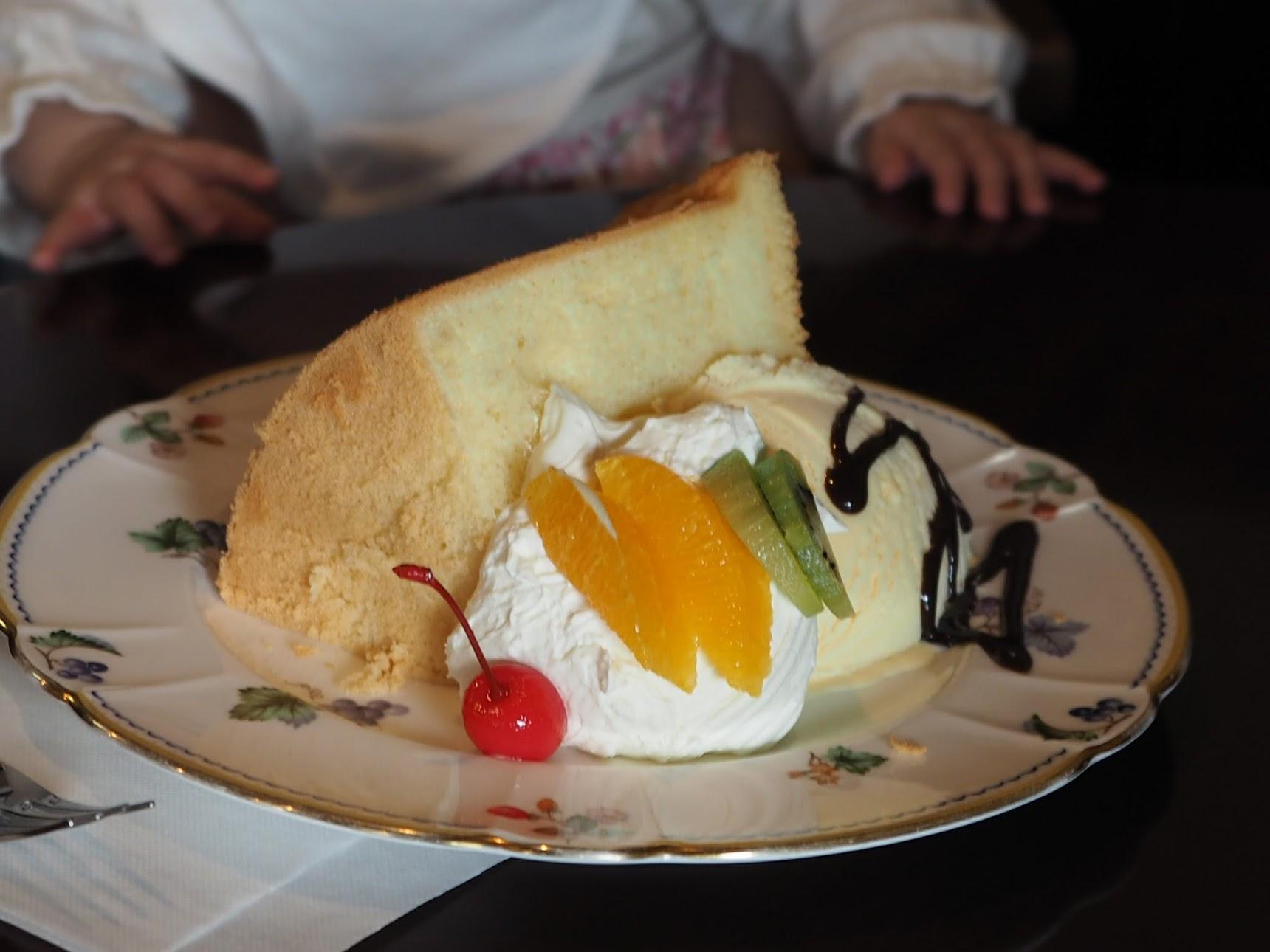 コーヒーファームの自家製ケーキ