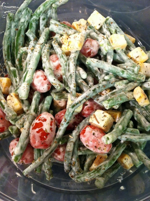 Green Beans, Tomatoes And Cheese Salad Recipe