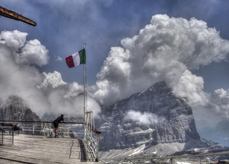 Maestosi cumuli sulle Dolomiti di Roberto Simonazzi