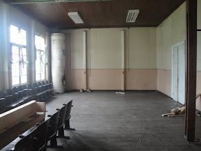 Photo: Luokkahuone, missä on serkuistani koulukuvia