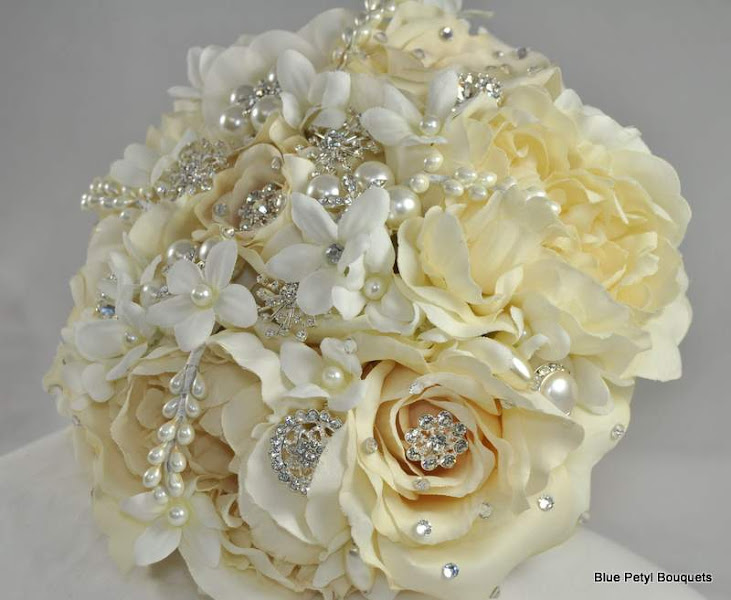 Photo: Ivory Rose Jeweled Bouquet www.bluepetyl.com