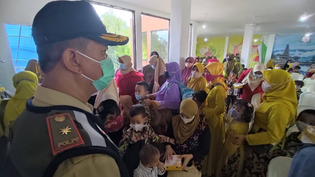 Gugus Tugas Bubarkan Kerumunan Wisuda KB dan RA di Mojokerto