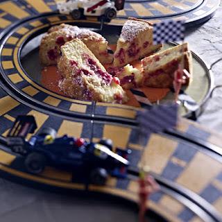 Currant Cake with Cream.
