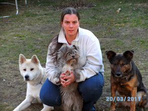 Photo: Sabrina mit Odin, Maja und Sunny (v.l)