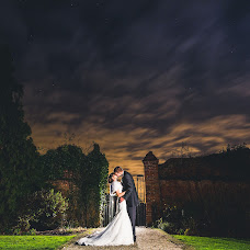 Wedding photographer Sam Gilbert (samandlouise). Photo of 21.12.2014