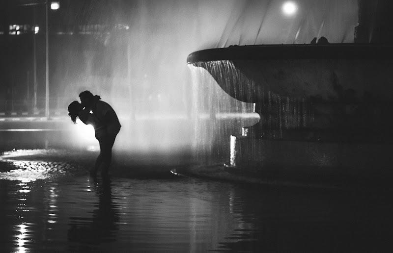 Kiss di Mario Leclere