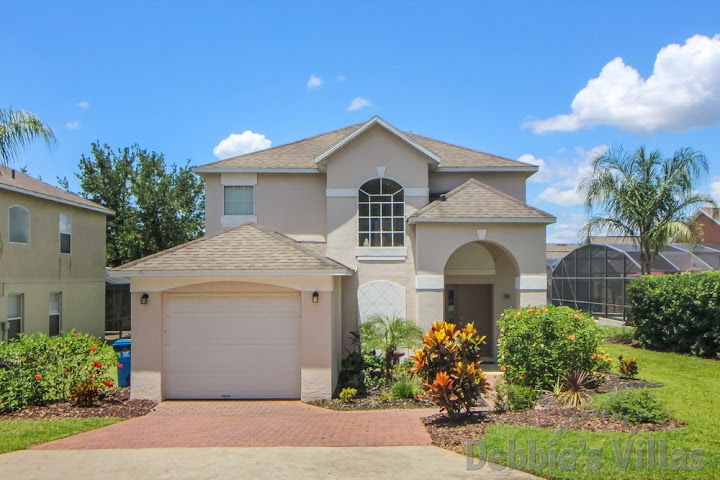 Orlando villa, gated golf course community, west-facing private pool, games room
