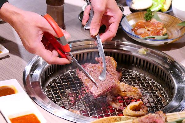 羊角炭火燒肉_台中吃到飽:現撈泰國蝦/大牡蠣/美國安格斯牛排/紐約客/泰式奶茶80種食材吃到飽!