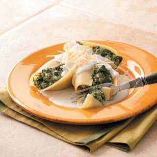 Spinach Stuffed Shells with White Sauce.