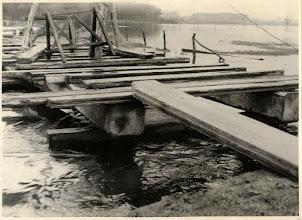 Photo: 1944 Oorlogsschade van de Tweegelandenbrug aan Effen-Rith.