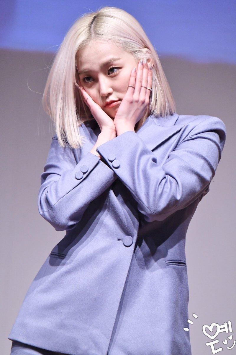 yeeun suit 22